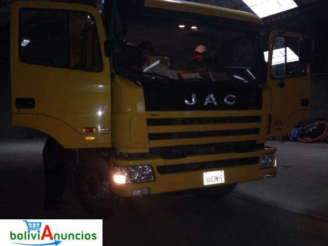 Volqueta JAC 14 Cubos